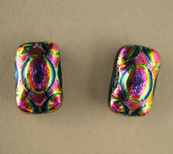 fuchsia-radium-ripple-studs-350